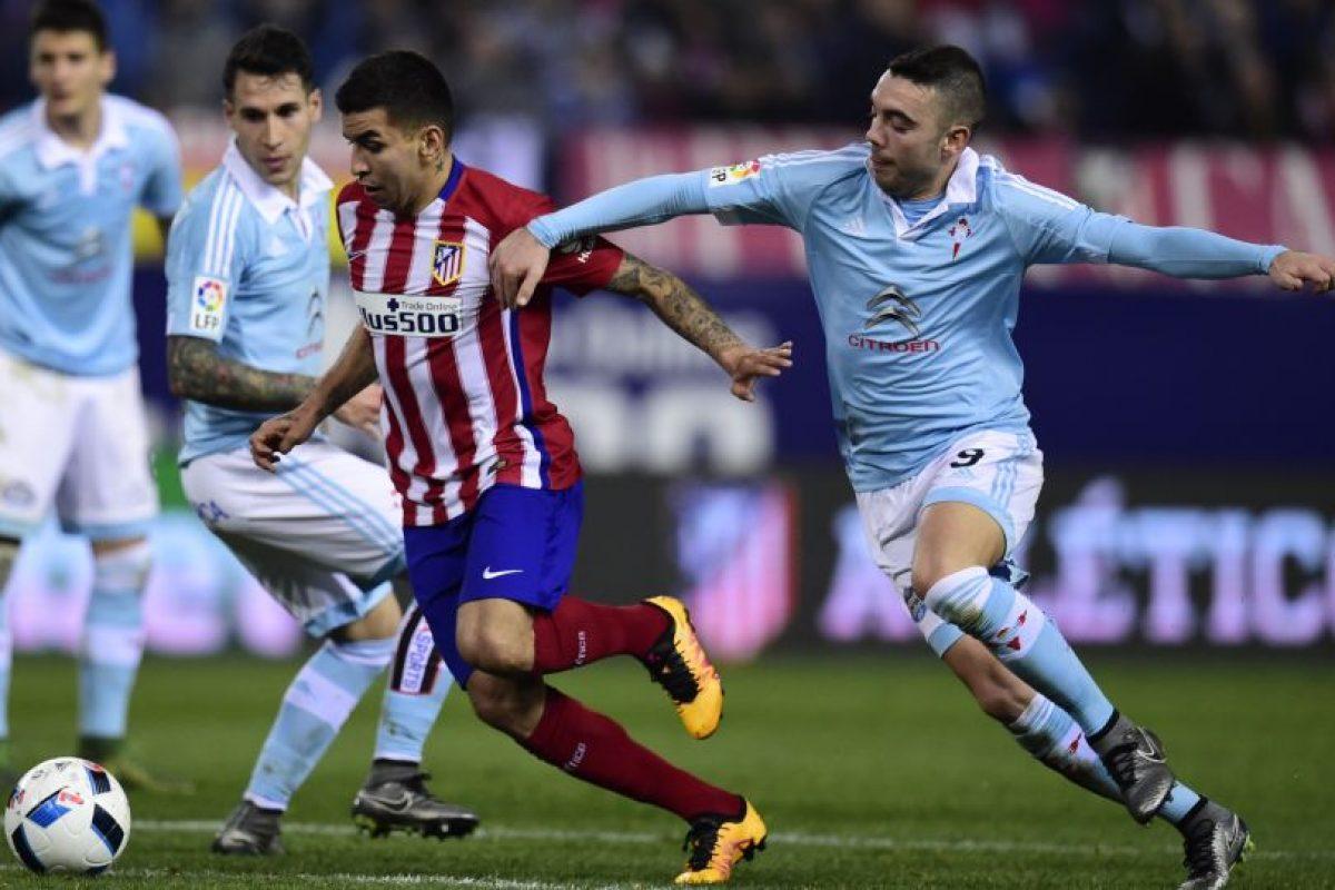 El argentino Ángel Correa en el juego contra el Celta. Foto:AFP