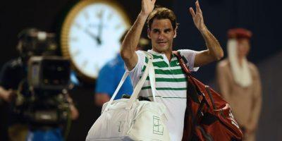 El tenista suizo saluda al público tras finalizado el partido. Foto:AFP