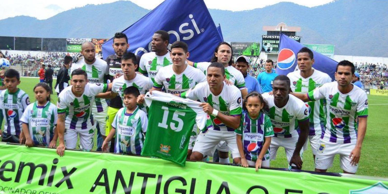 El equipo antigueño antes del partido ante Municipal. Foto:Antigua GFC