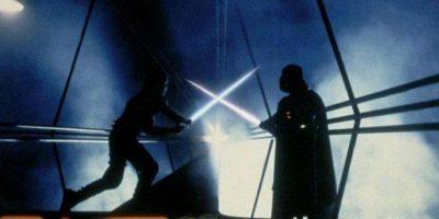 Los pulmones de Darth Vader estaban destruidos, y la única razón por la cual se mantuvo con vida fue por su traje que le brinda aire y soporte. Foto:Vía StarWars.LATAM