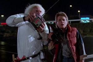 """En la película """"Back to the Future"""", Marty dice que Darth Vader viene del planeta Vulcano. Esto causó el enojo de los fanáticos de Star Wars y Star Trek, ambos bastante competitivos entre sí. Foto:Vía Amblin Entertainment"""
