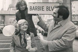 Inspirada por la fasinación de su hija Bárbara por la vida adolescente y el amor por muñecas de moda. Foto:Vía Instagram