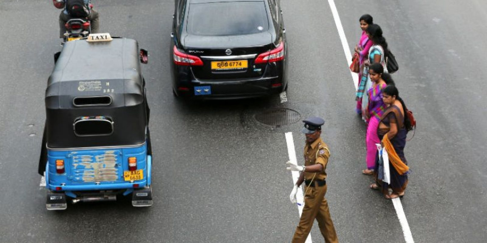 10. Cuando vean a un auto yendo en reversa cerciórense que los haya visto. Foto:Getty Images