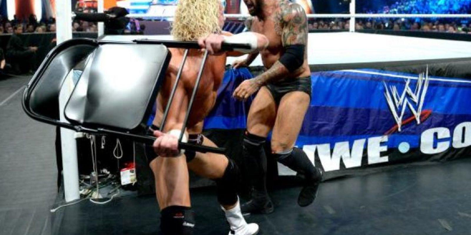 """Le buscan acomódo en la """"Vitrina de los Inmortales"""". Foto:WWE"""