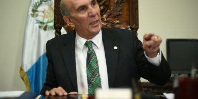 Mario Taracena solicita a diputados no contratar familiares