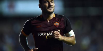 Totti festeja un gol en un partido del Calcio. Foto:AFP