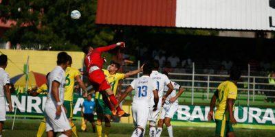 Acción del juego entre Gustatoya y Comunicaciones. Foto:Publinews