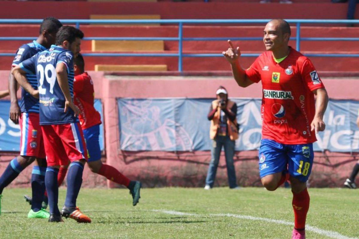 Janderson Pereira celebra su gol ante Xelajú MC. Foto:Publinews