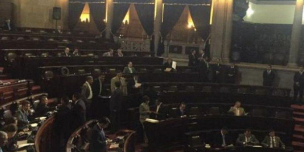 Diputados contratan a familiares a pesar de solicitud de Taracena