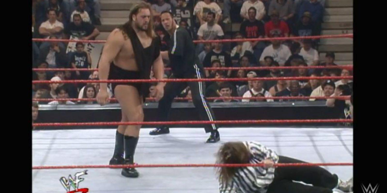 Agredió a Mankind, el 16 de febrero de 1999 Foto:WWE