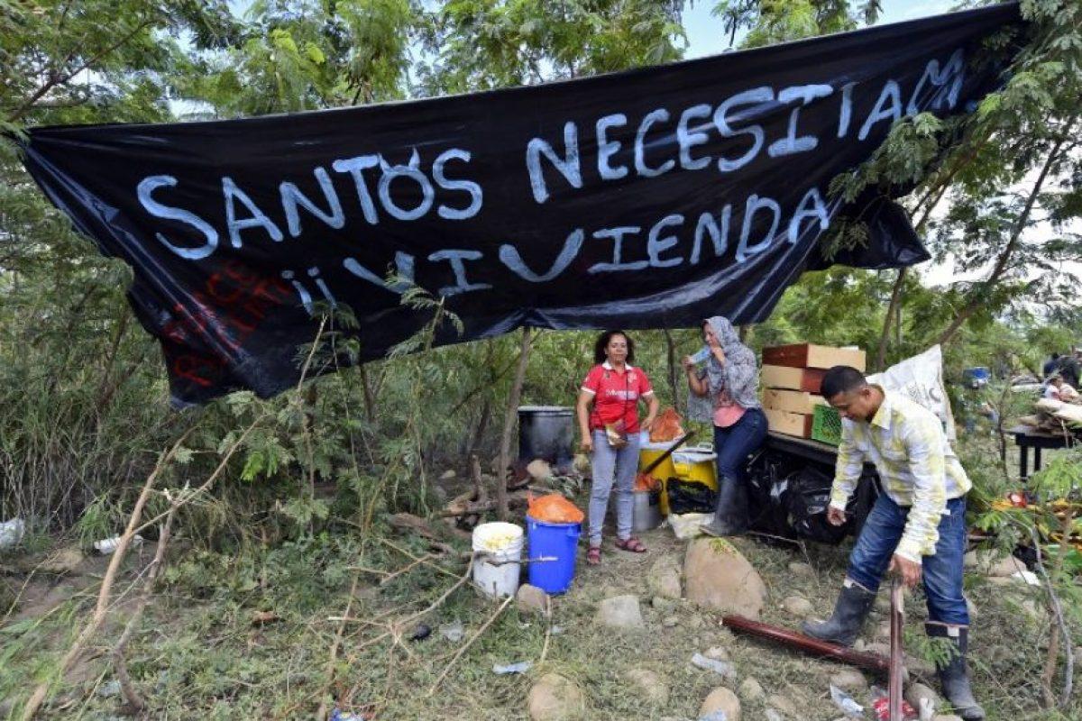 """José Vielma Mora, gobernador de Táchira, informó a través de su cuenta de Twitter que Venezuela se ahorra """"un millón de litros de combustible"""" después del cierre de la frontera. Foto:AFP"""