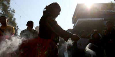 Con una ceremonia maya, recuerdan a las víctimas de la quema de embajada de España