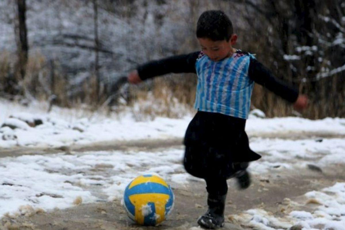 Tiene cinco años y vive en Afganistán Foto:AFP