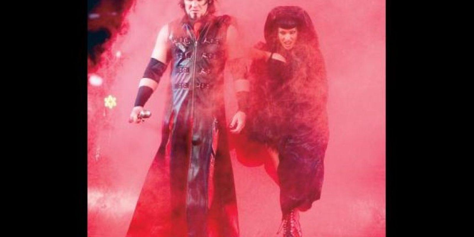 26. Kevin Thorne y Ariel Foto:WWE