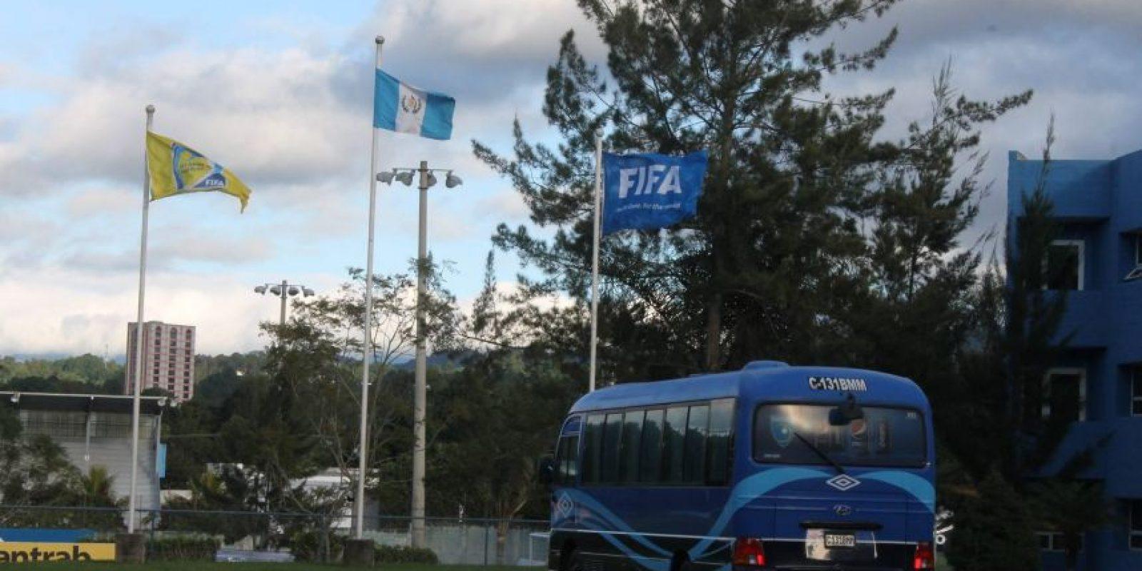 Uno de los buses en los que se transportan las diferentes selecciones de fútbol del país. Foto:Publinews