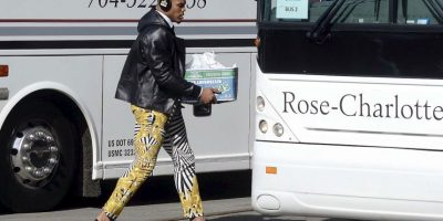 Así arribó Cam Newton a San Francisco, donde el fin de semana se jugará el Super Bowl 50 Foto:AP