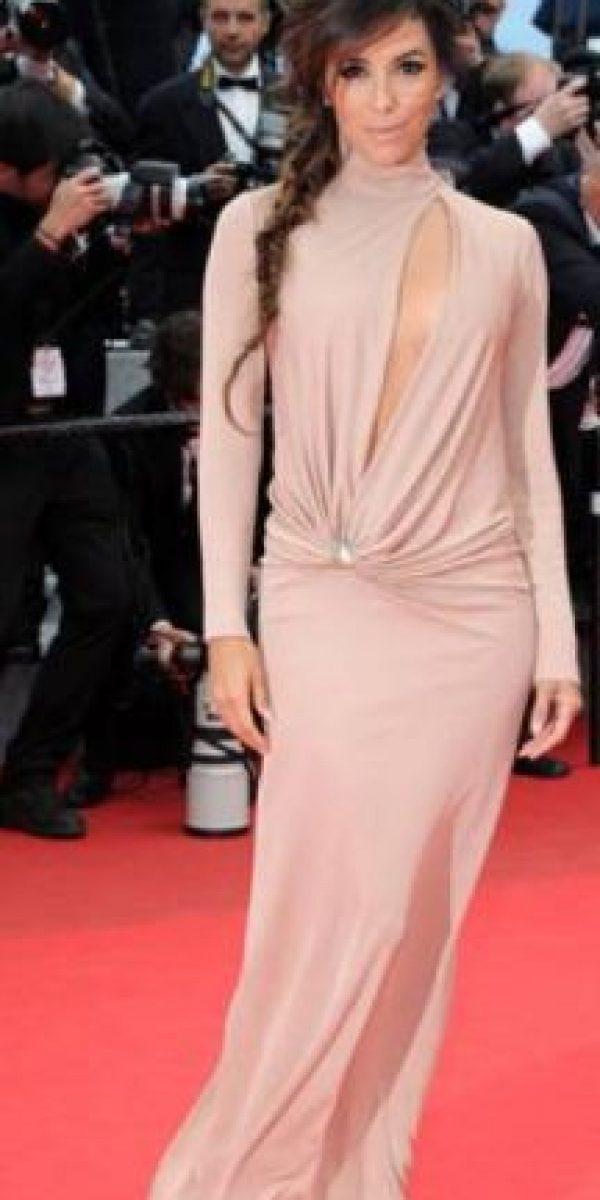 Eva Longoria sin gracia, desvaída. Foto:vía Getty Images