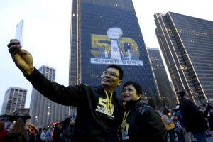 Por la cantidad de dinero que moverá, este Super Bowl ya es considerado el más caro de la historia. Foto:AP