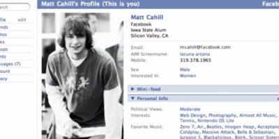 """2005. """"The"""" es eliminado del nombre de la red social. Foto:Vía Facebook"""