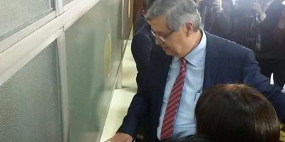El vicepresidente de Guatemala, Jafeth Cabrera, presenta su declaración patrimonial 2016. Foto:Publinews