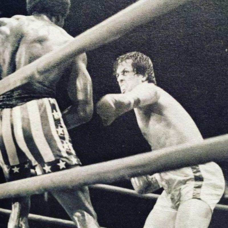 Rocky se convirtió rápidamente en un enorme éxito; recaudando más de 117 millones de dólares tan solo en Estados Unidos. Foto:Vía Instagram/@officialslystallone