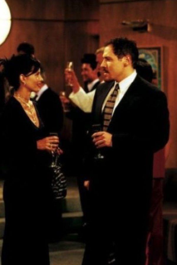 """Jon Favreau. Interpretó a """"Pete"""", el multimillonario que se enamoró de """"Mónica"""" Foto:Warner"""