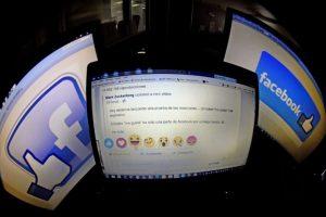 Una pantalla muestra los nuevos botones de like disponibles en Facebook. Foto:AFP