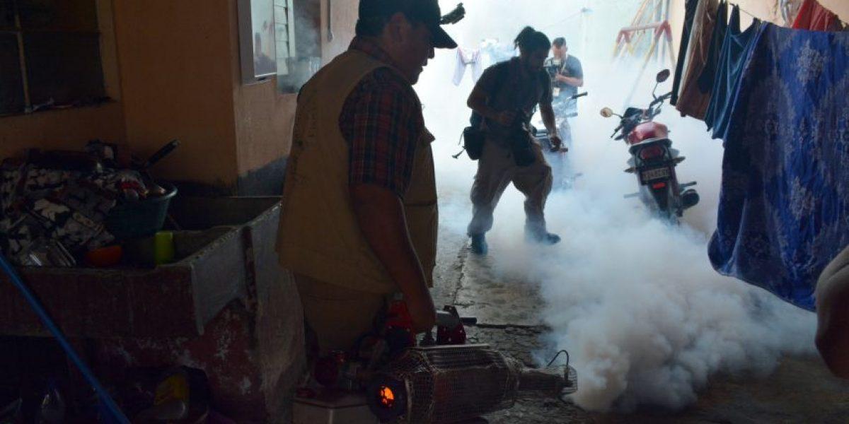 Fotos. Autoridades fumigan dos colonias capitalinas como prevención al virus del zika