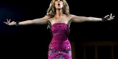 Posteriormente llevó a Celine junto a su madre de gira por Canadá, Japón y Europa. Foto:Getty Images