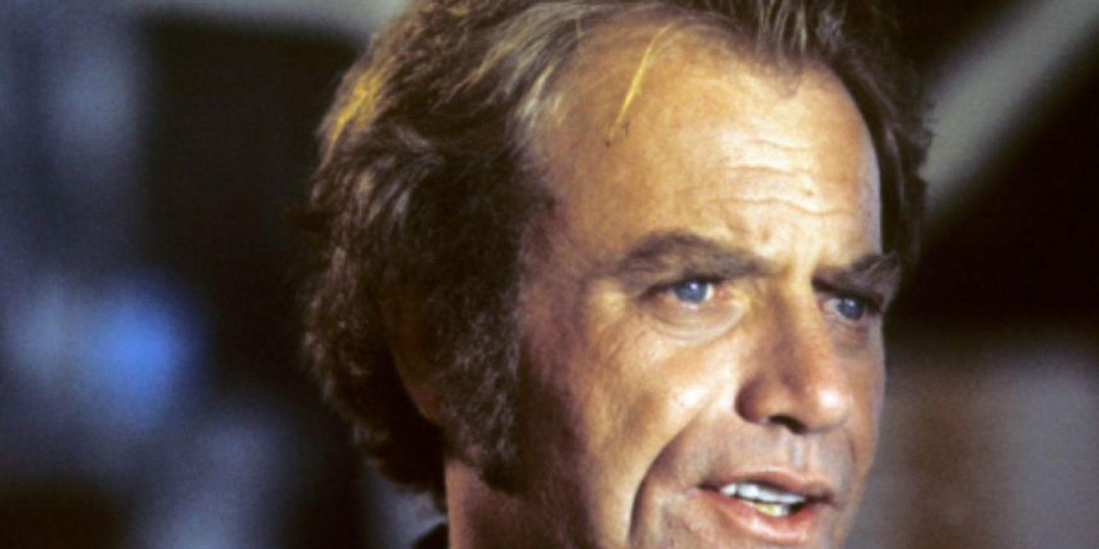 Vic Morrow fue decapitado filmando una película. Foto:vía Getty Images