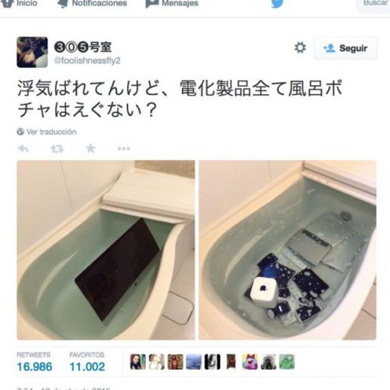 La mujer china que metió todos los gadgets de Apple en la tina. Foto:vía Twitter