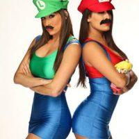2. Mario y Luigi como Nikki y Brie Bella. Foto:WWE