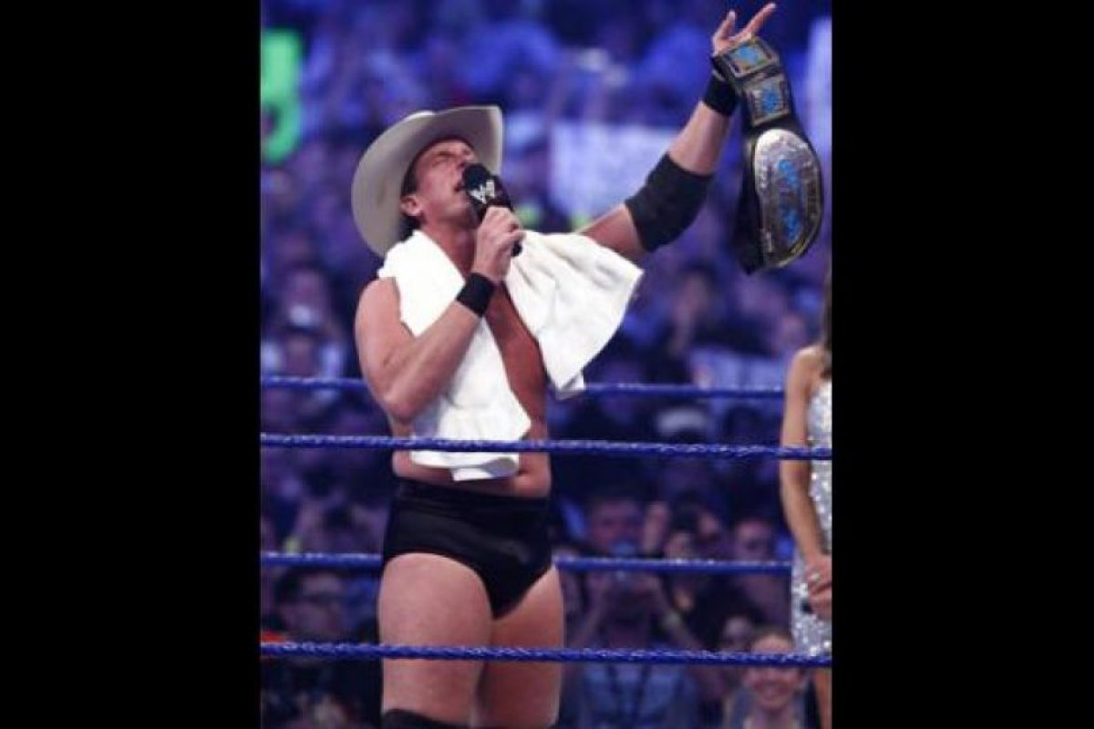 Jugó en Abilene Christian University, en la línea ofensiva. Foto:WWE