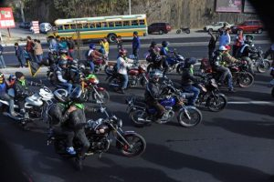 Miles de motociclistas participaron en la Caravana del Zorro 2016. Foto:AFP