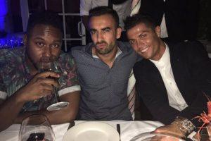 No es uno de los amigos más conocidos del portugués, pero sí uno de los más cercanos. Foto:Vía twitter.com/yago