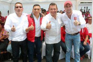 Giodano en campaña con Manuel Baldizón de Líder. Foto:Cortesía