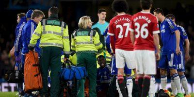 Kurt Zouma, defensa del Chelsea, se lastimó la rodilla en duelo ante Manchester United. Foto:Getty Images