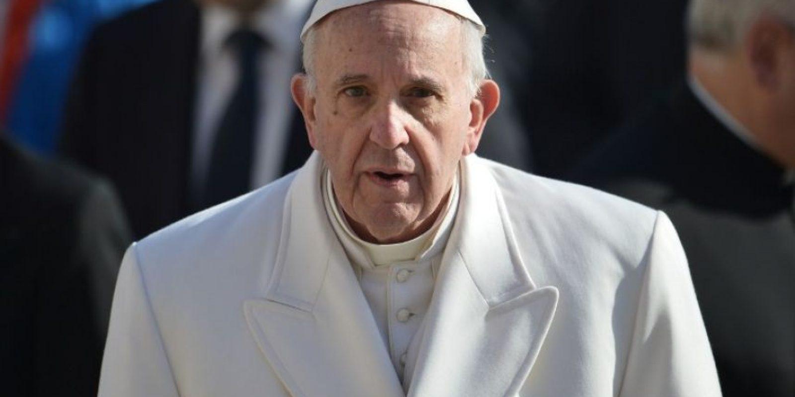 El papa Francisco hace un gesto durante un acto público. Foto:AFP