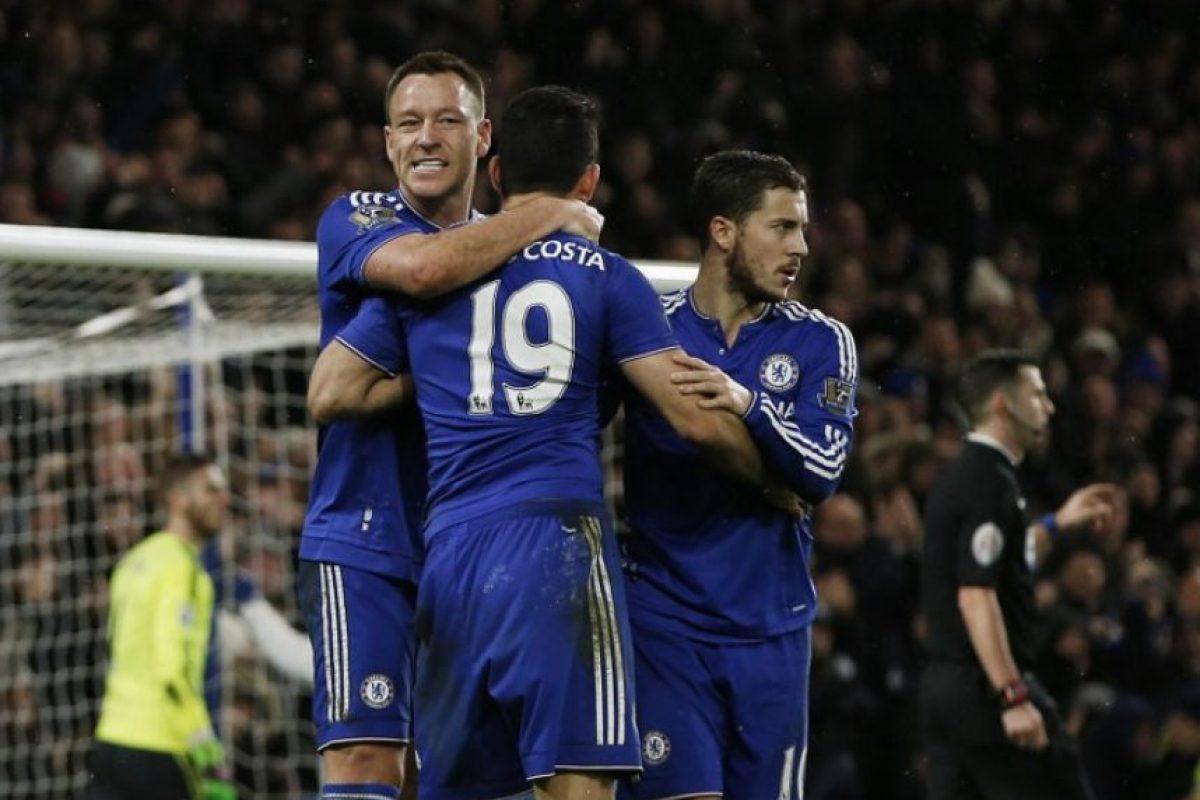 Jugadores del Chelsea festejan un gol ante el Manchester United. Foto:AFP