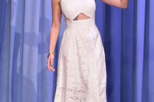 """En una entrevista de """"Los Vengadores 2"""", a Scarlett Johansson le preguntan si trae ropa interior debajo, a lo que ella se enoja y dice: """"¿Es en serio esta entrevista?"""". Foto:vía Getty Images"""