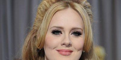 Adele, la artista que vendió más discos en 2015