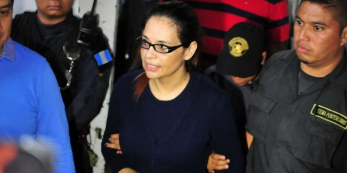 Ex vicepresidenta Roxana Baldetti solicita un refrigerador en su celda