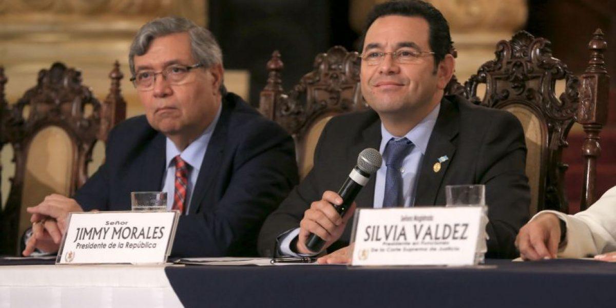 Presidente Jimmy Morales inicia revisión de perfiles para magistrados de la CC