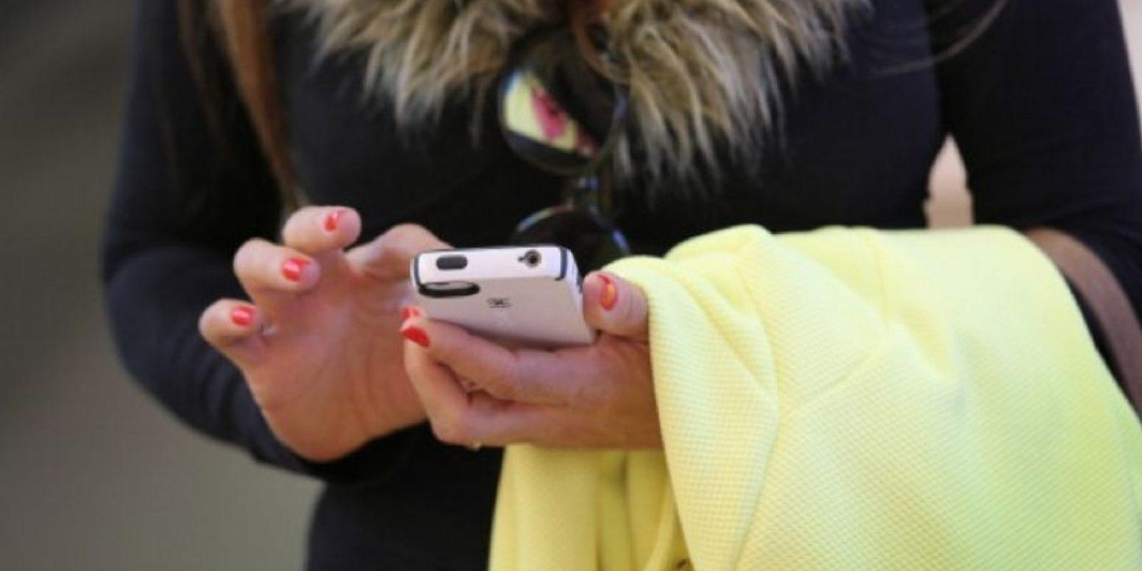 Comprueben si en su computadora hay algún software o configuración que pueda causar problemas de comunicación entre el equipo y Apple o entre el equipo y el dispositivo. Foto:Getty Images
