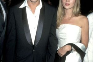 De hecho, él la botó en 1997 por su apego emocional. Foto:vía Getty Images