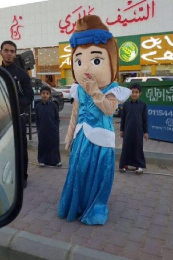 Una botarga fue arrestada en Arabia Saudita por autoridades de ese país. Foto:@akhbar_3ajlah