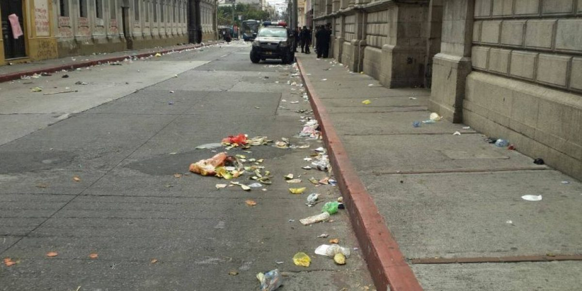 Así quedaron las calles luego de la manifestación de la mañana