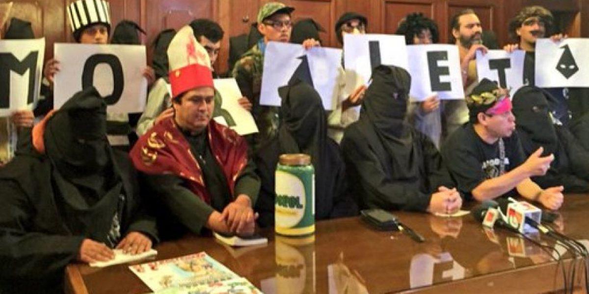 """Los encapuchados cobrarán """"bono"""" a los conserjes del Congreso por"""