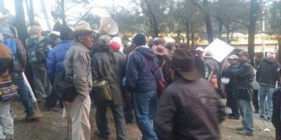 Manifestantes protestan en un punto de la Ciudad Capital. Foto:@EmisorasUnidas