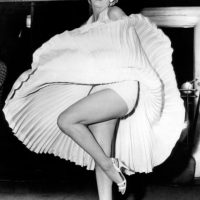 Marilyn Monroe en 1954, con un vestido que quedará para la posteridad y que la convirtió en ícono sexual. Foto:vía Getty Images